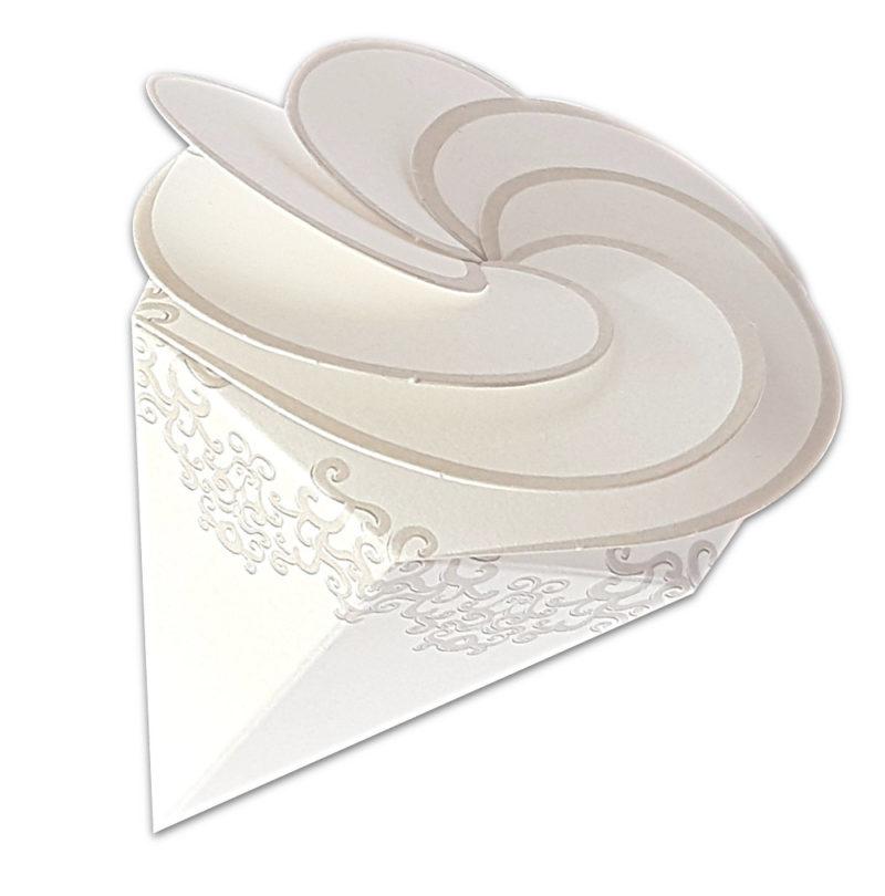 Cornet carton motif arabesque