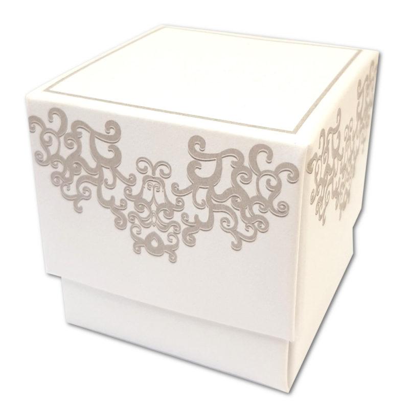 cube carton motif arabesque