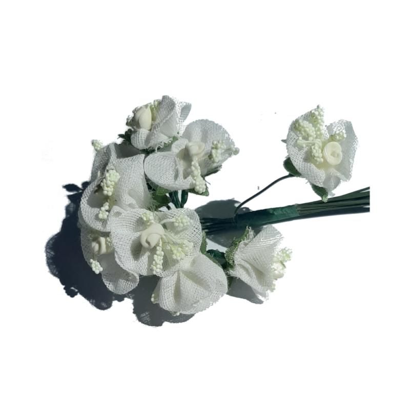 rose pistil blanc